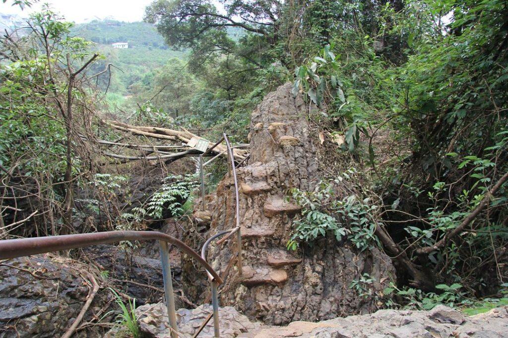 Слоновий водопад