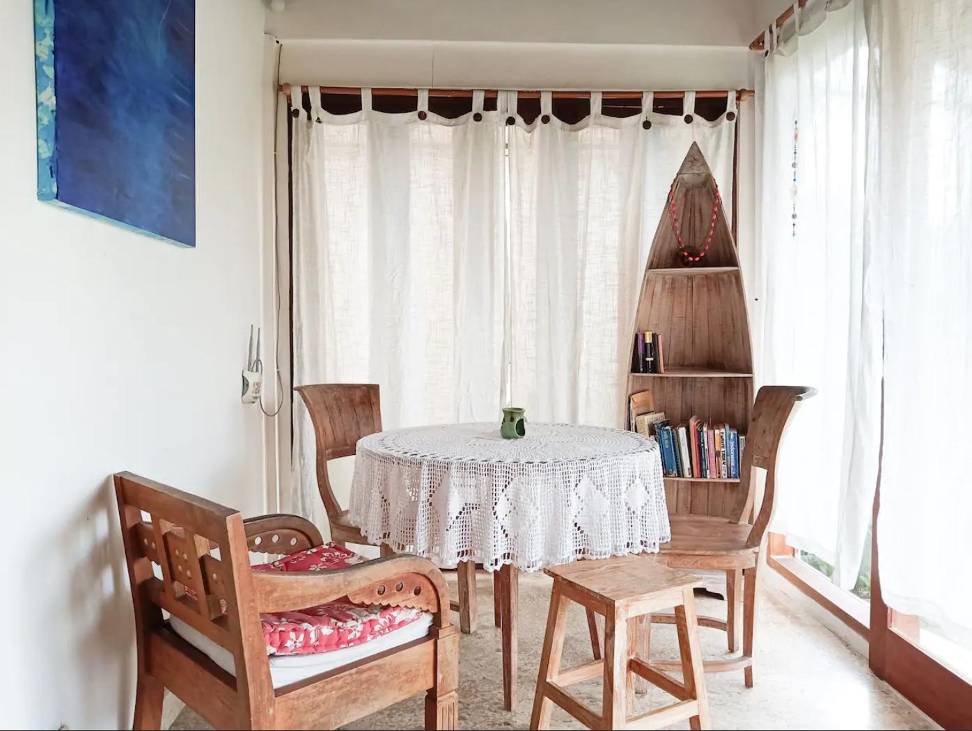 Столовая зона в кухне