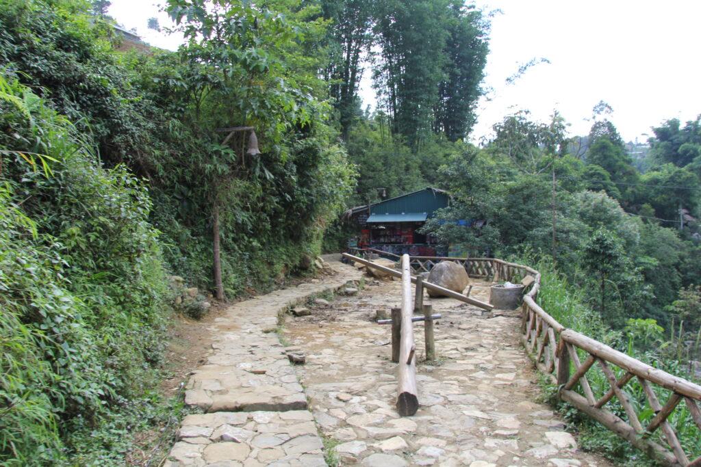 Деревня Кат-Кат в Сапе