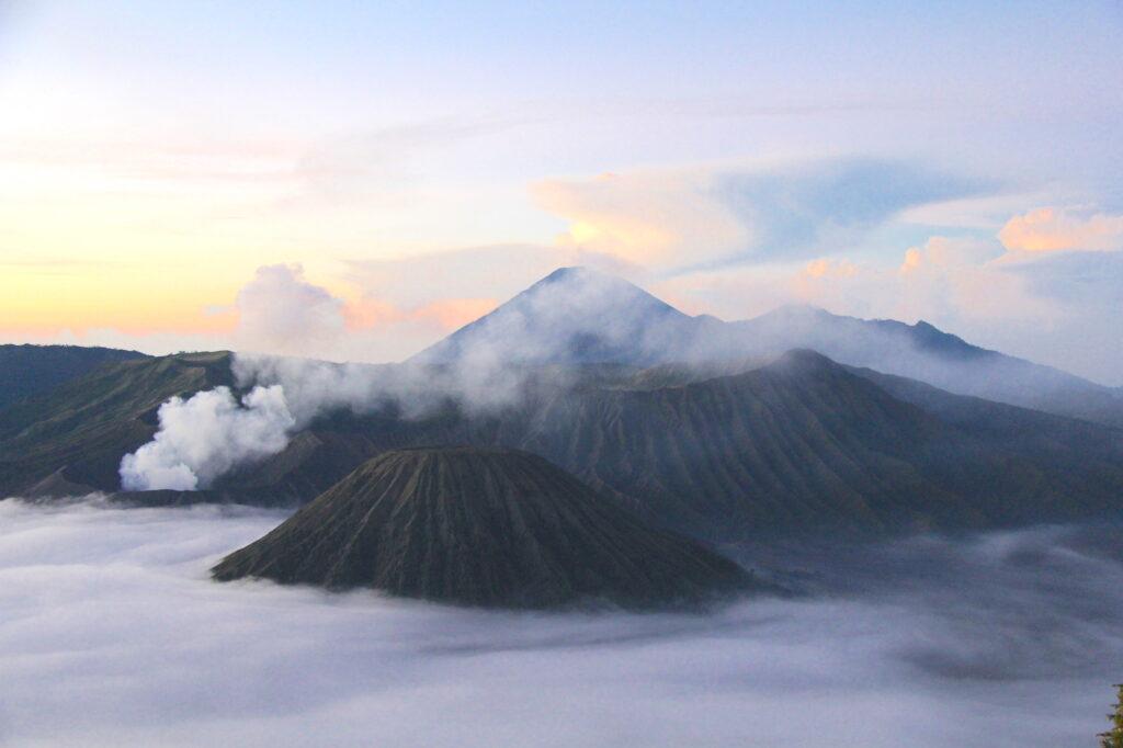 Тенгер Вулкан Бромо Вулкан Бромо (Gunung Bromo) на Яве IMG 8624 1024x682