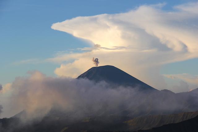 Семеру Вулкан Бромо Вулкан Бромо (Gunung Bromo) на Яве IMG 8721
