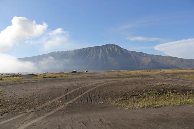 Песчаное море Вулкан Бромо Вулкан Бромо (Gunung Bromo) на Яве IMG 8734
