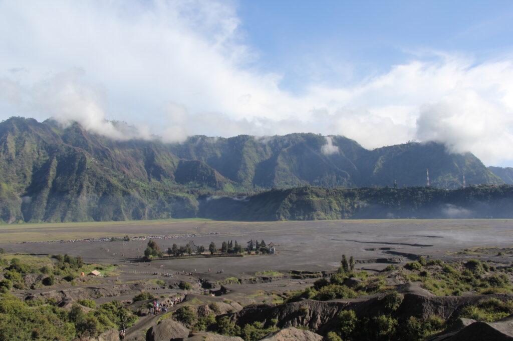 Pura Luhur Poten Вулкан Бромо Вулкан Бромо (Gunung Bromo) на Яве IMG 8765 1024x682