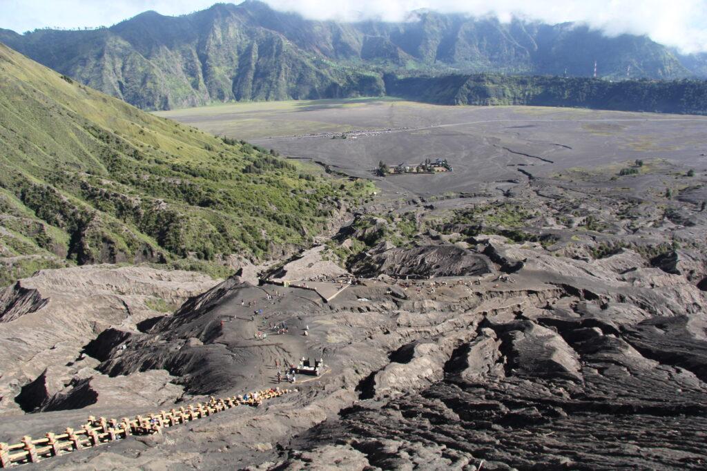 Бромо Вулкан Бромо Вулкан Бромо (Gunung Bromo) на Яве IMG 8820 1024x682